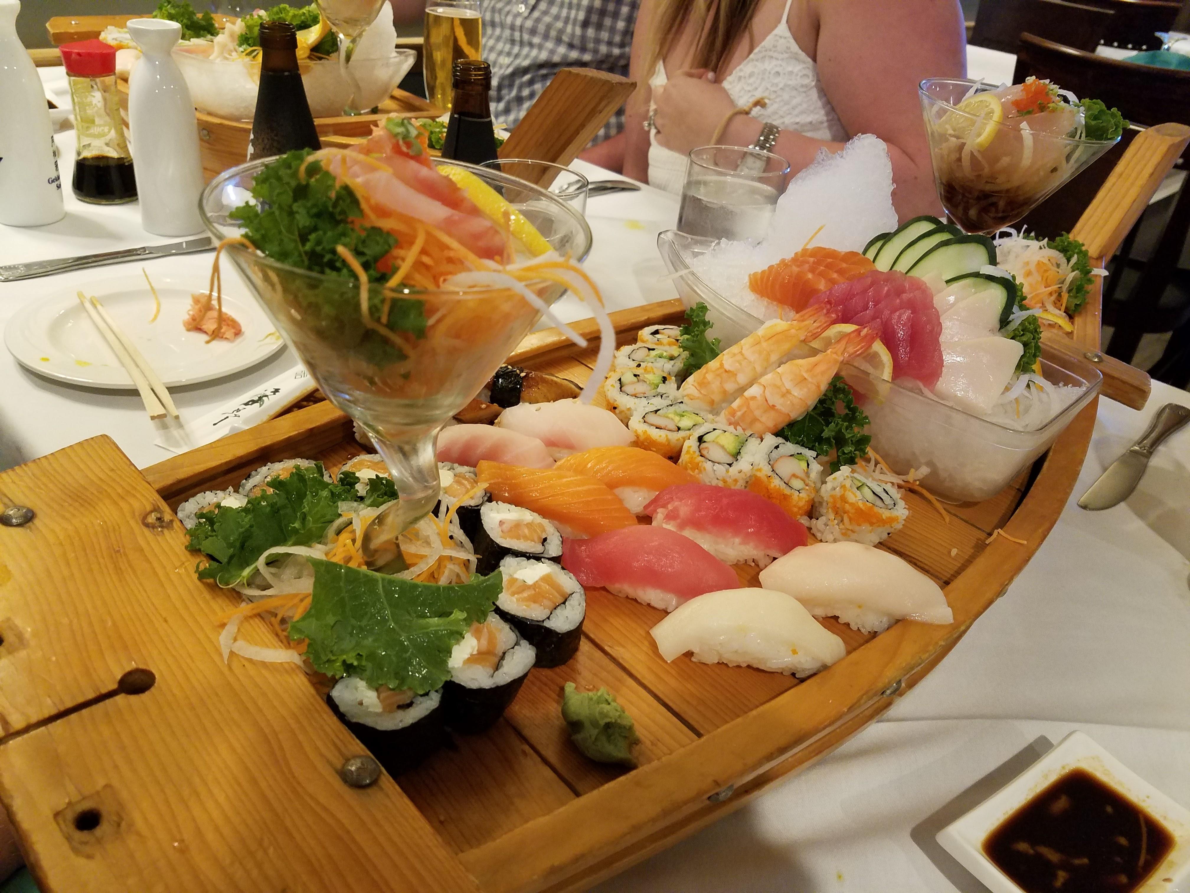 love boat for 2 sushi thai